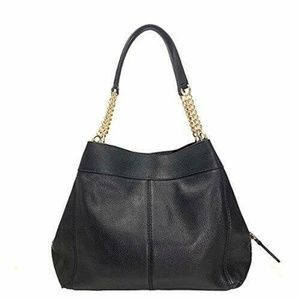 LEXY CHAIN SHOULDER BAG IN BLACK PEBBLE LEATHER